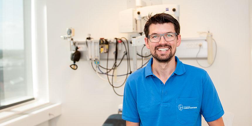 Speciallæge Christian Bak